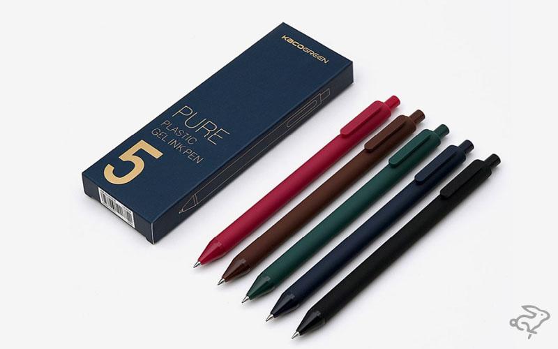 Ручки с красными, коричневыми, зелеными, синими и черными чернилами